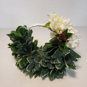 Handheld wreath
