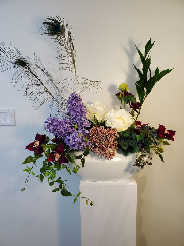 Lillac Peacock arrangement1 scaled